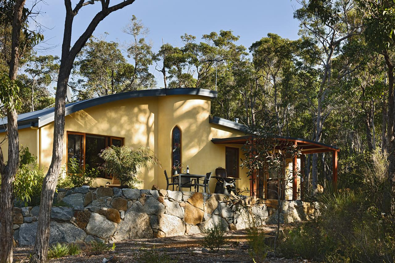 Aiyana Retreat - Southport Accommodation