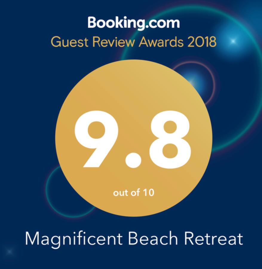 Magnificent Beach Retreat - Southport Accommodation