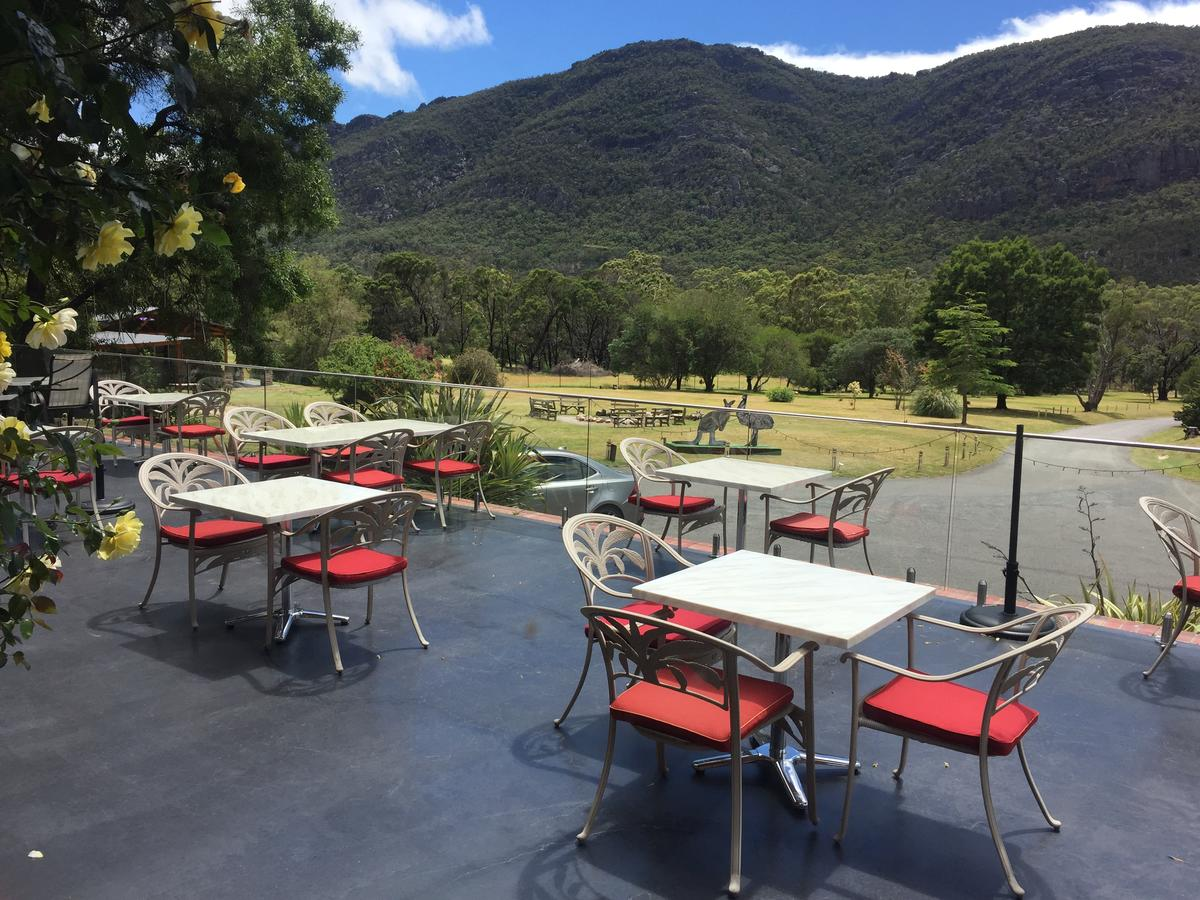 The Grampians Motel and The Views Bar  Restaurant - Southport Accommodation