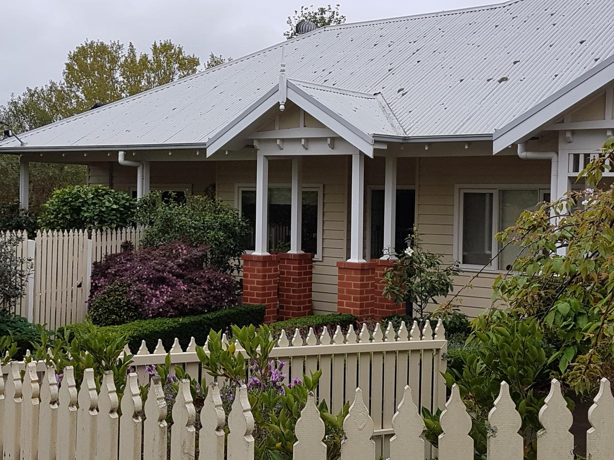 Healesville House - Fig Tree House - Southport Accommodation
