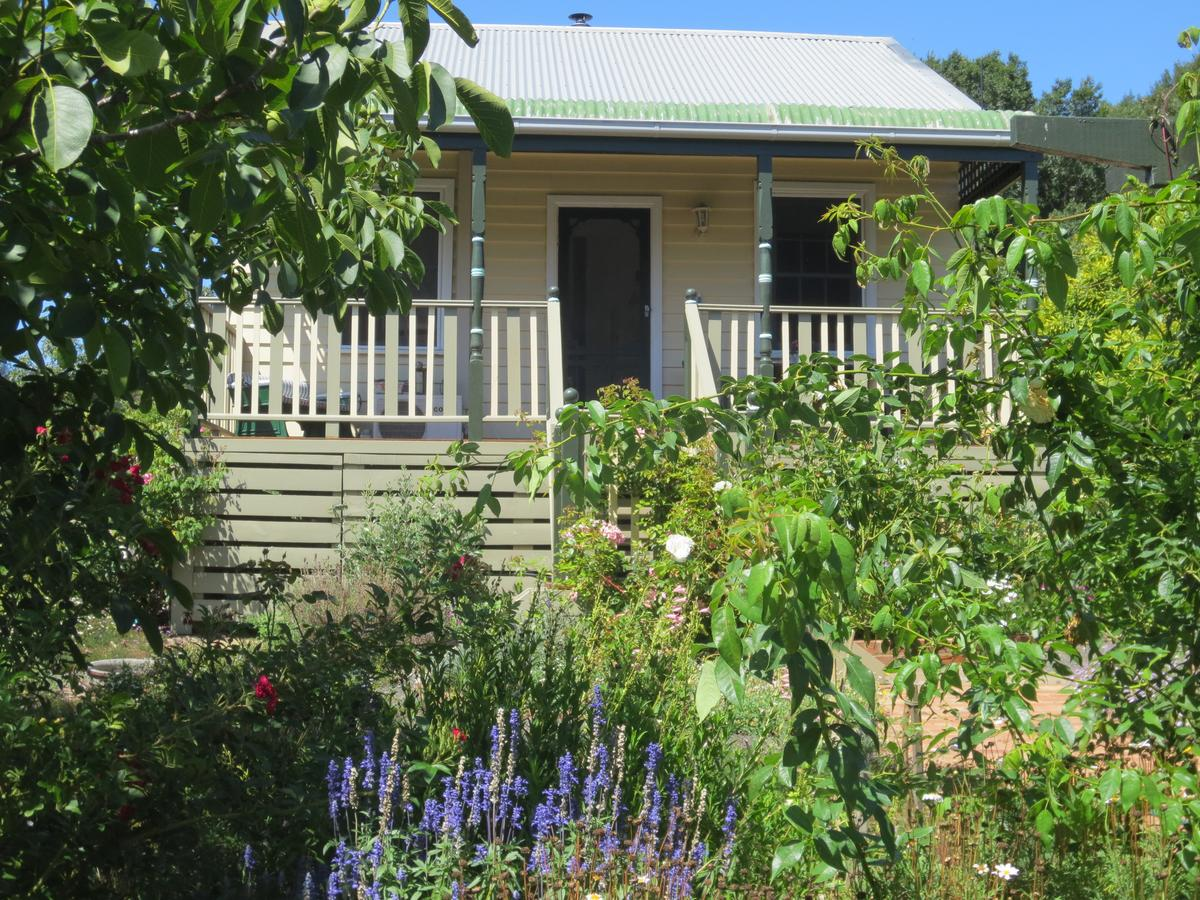 Walnut Cottage via Leongatha - Southport Accommodation