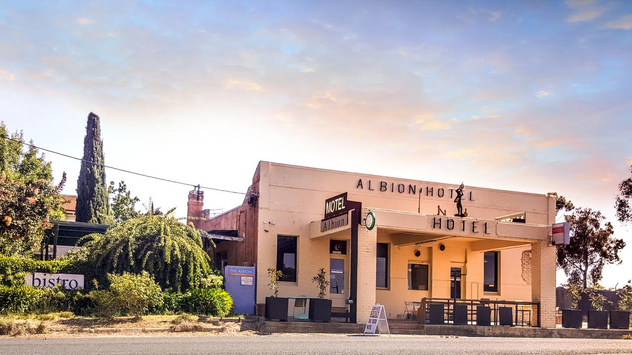 Albion Hotel and Motel Castlemaine - Southport Accommodation