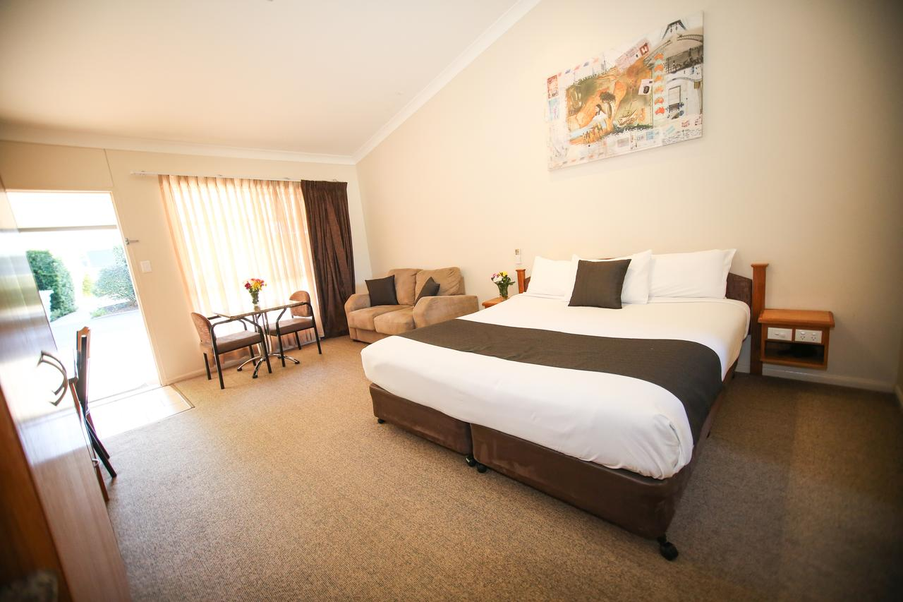 Roma Explorers Inn - Southport Accommodation